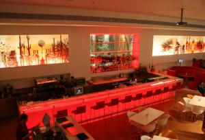 עיצוב חלל מסחרי לברים-בתי קפה